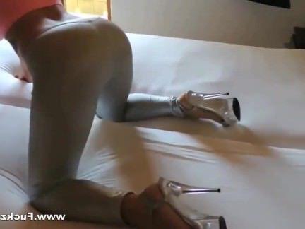 Порно с Аналом Сучка с пирсингом в клиторе испытывает радости анального секса секс видео бесплатно