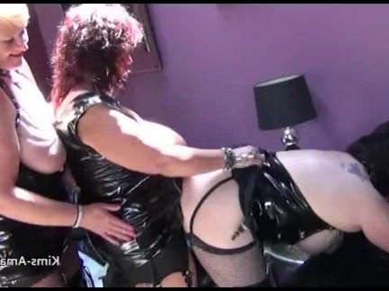 Анальный Трах Одев страпоны толстухи в кожанных платьях трахаются в очко секс видео бесплатно