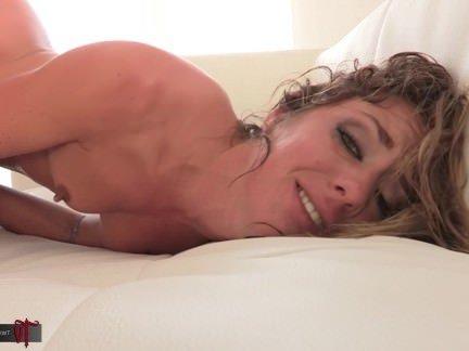 Анальная Порнуха Распаленная мамочка ажно вспотела от долбежки толстым членом в попочку секс видео бесплатно