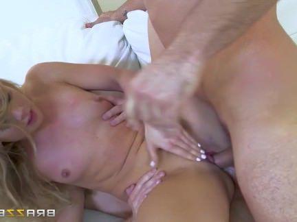 Анальная Ебля AJ Applegate от двух кобелей принимает члены в анал и пизду секс видео бесплатно