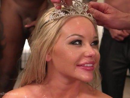 Трах в Анал Мужики оприходовали блондинку с большими дойками в анус и мандень секс видео бесплатно