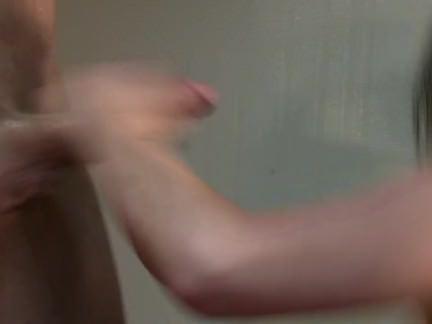 Ебля в Анал Мужики ублажают сраку и пиздятину грудастой мамочки в самом соку секс видео бесплатно