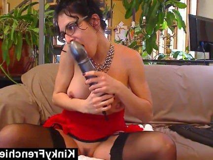 Анальный Трах Зрелка запихивает в анал толстенный фаллоимитатор секс видео бесплатно