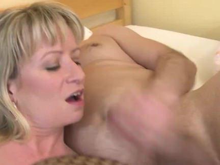 Порно Анал Мэн оттараканил грудастую лярву в анальную дырку секс видео бесплатно