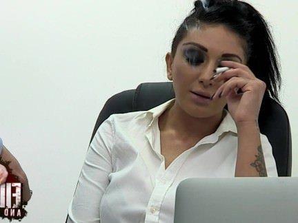 Трах в Анал За курение на рабочем месте босс насадил свою секретутку в сраку секс видео бесплатно