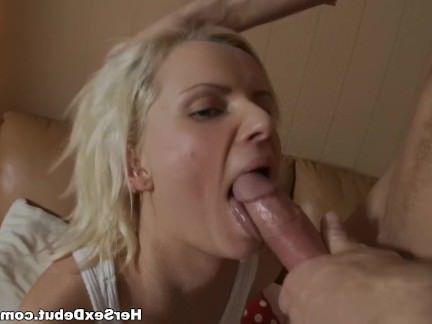 Анальный Трах Пацан хуярит в сраку свою будущую жену на диване секс видео бесплатно