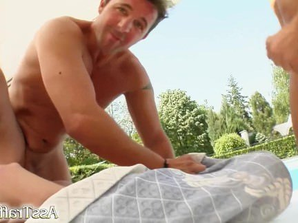 Анальное Порно Мужики жестко аналили тёлочку в чёрных чулках на свежем воздухе секс видео бесплатно
