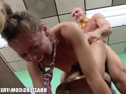 Трах в Анал Мужик жестко нажаривает в анальную дырку пылкую девицу секс видео бесплатно