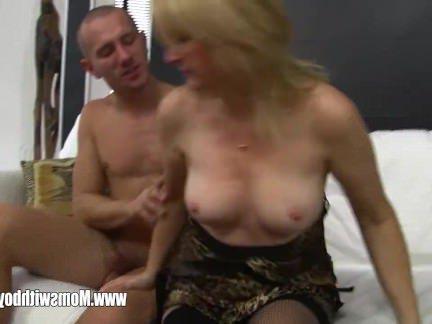 Анальное Порно Муж ебёт в жопень пухловатую жену и кончает на её сиськи секс видео бесплатно